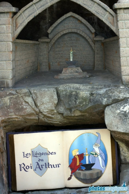 Le Pays des Contes de Fées - Sword in the Stone