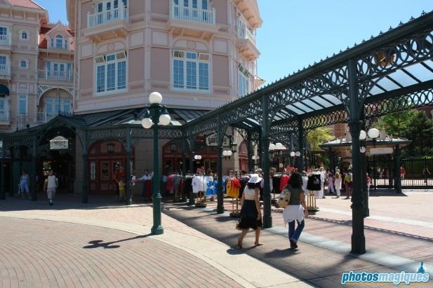 Plaza West