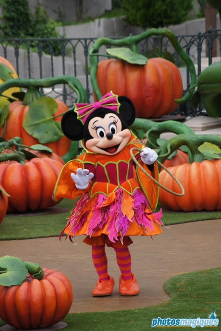 Mickey's Halloween Treat in the Street