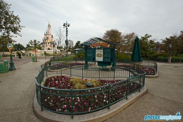 Central Plaza Information
