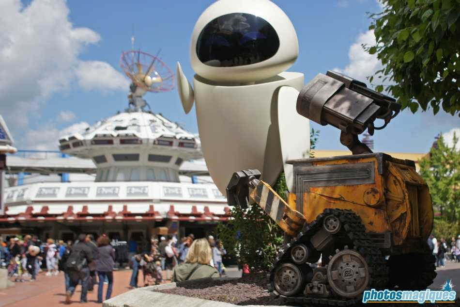 Share The Love With Wall E And Eve Photos Magiques