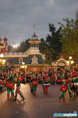 Disney's Once upon a Dream Parade Christmas unit