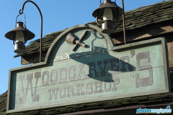 Wood Carver's Workshop