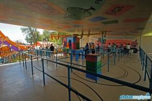 Slinky Dog Zigzag Spin