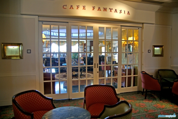 Disneyland Hotel Cafe Fantasia