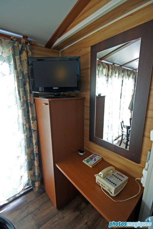 Disney's Davy Crockett Ranch Premium cabin