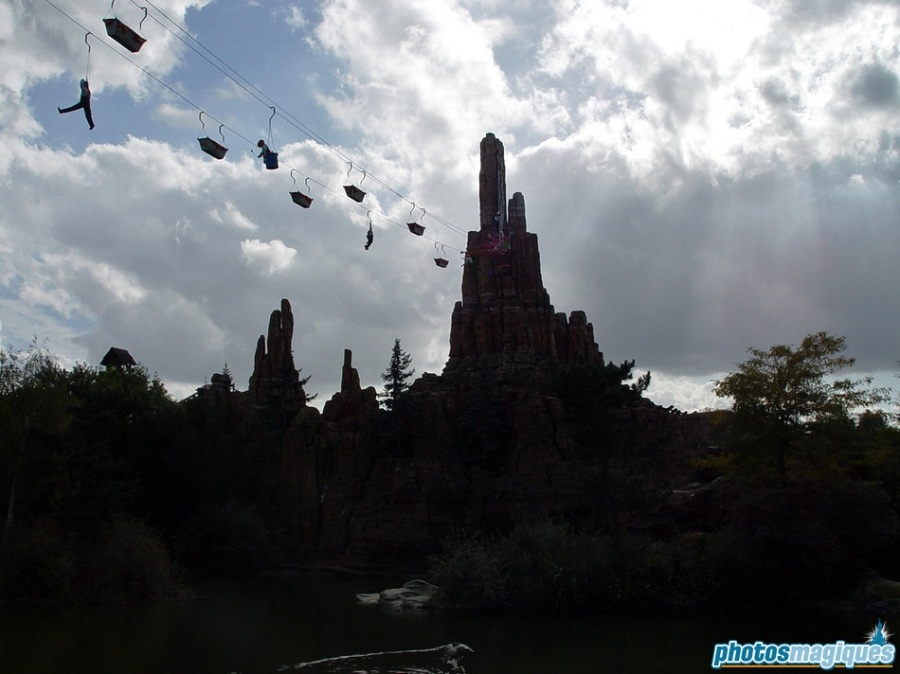 The paint comes from the Pumpkin Paint Pit of Big Thunder Mountain.