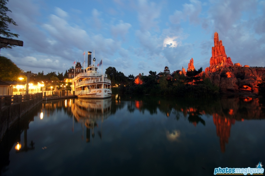 Rivers of the Far West by night