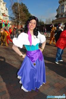 Carnival Fever: Esmeralda