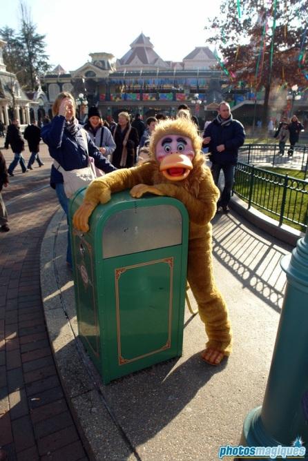 Carnival Fever: Monkey