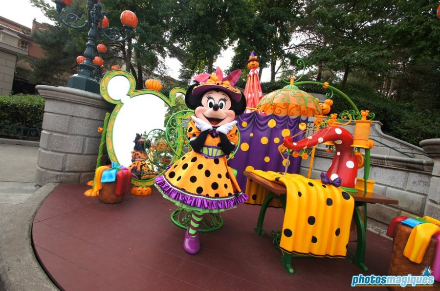 Minnie's Costume Couture