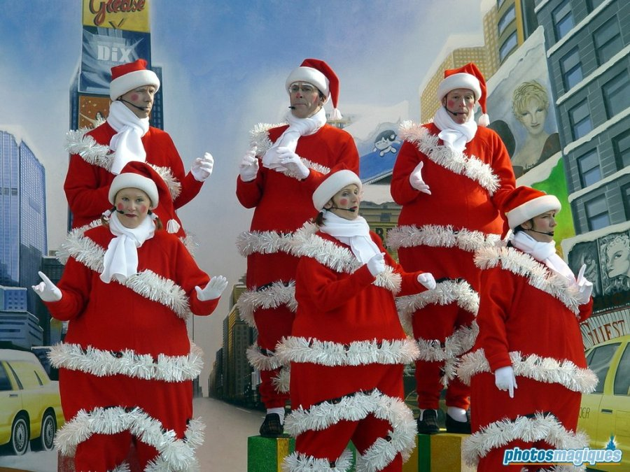 Swing along Santas