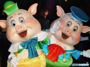 Fifer Pig, Fiddler Pig (2004)