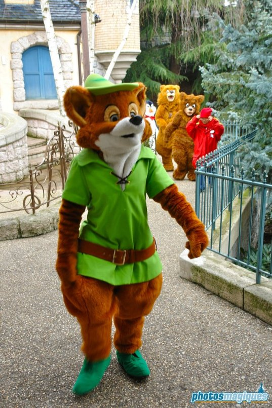 Robin Hood, Kenai, Koda (2007)