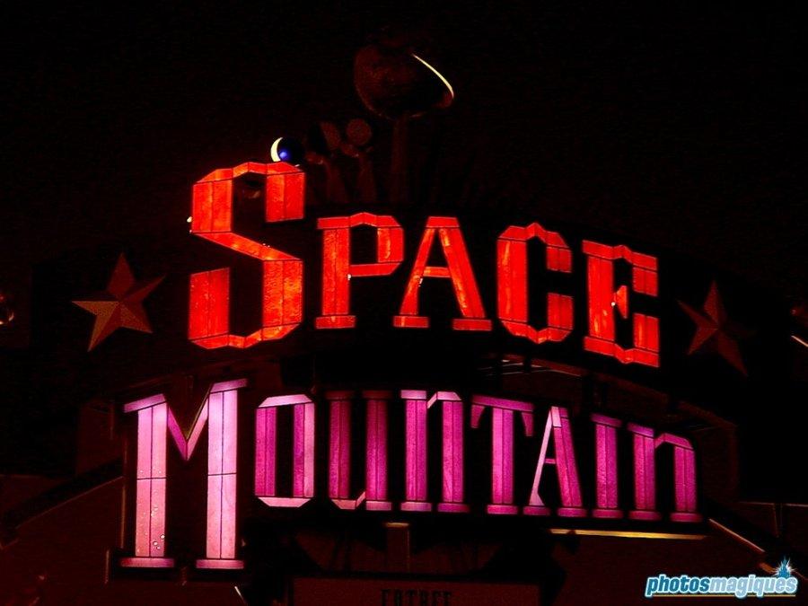 Space Mountain - de la Terre a la Lune